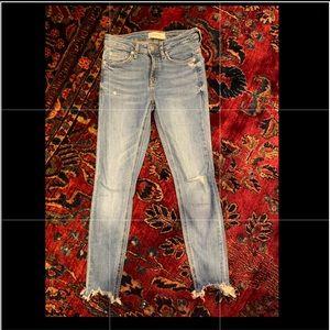 Women's cropped Zara jeans size 2
